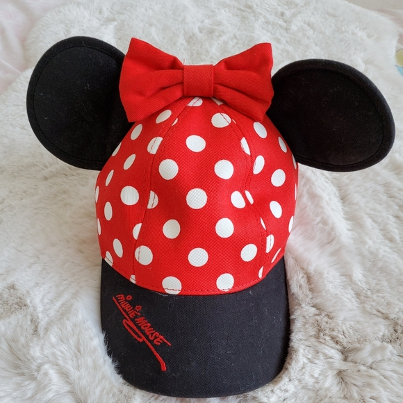 Disney Other - Minnie Mouse kids hat, cap
